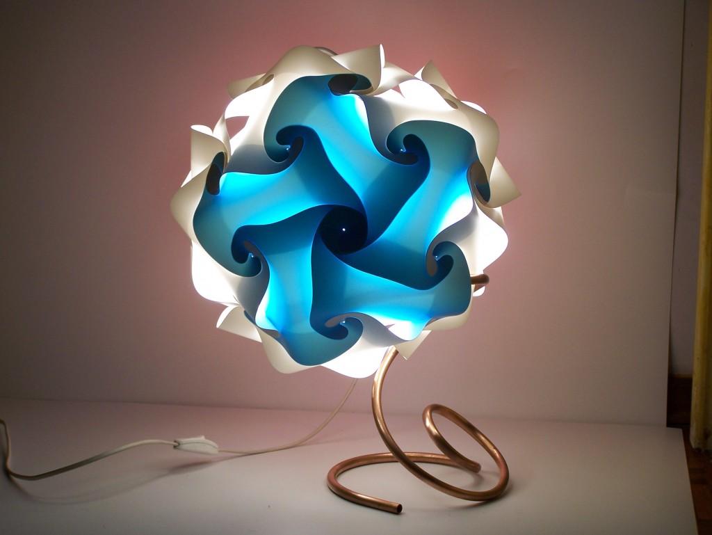 Illuminare il salotto con la lampada design lampade design for Lampade design